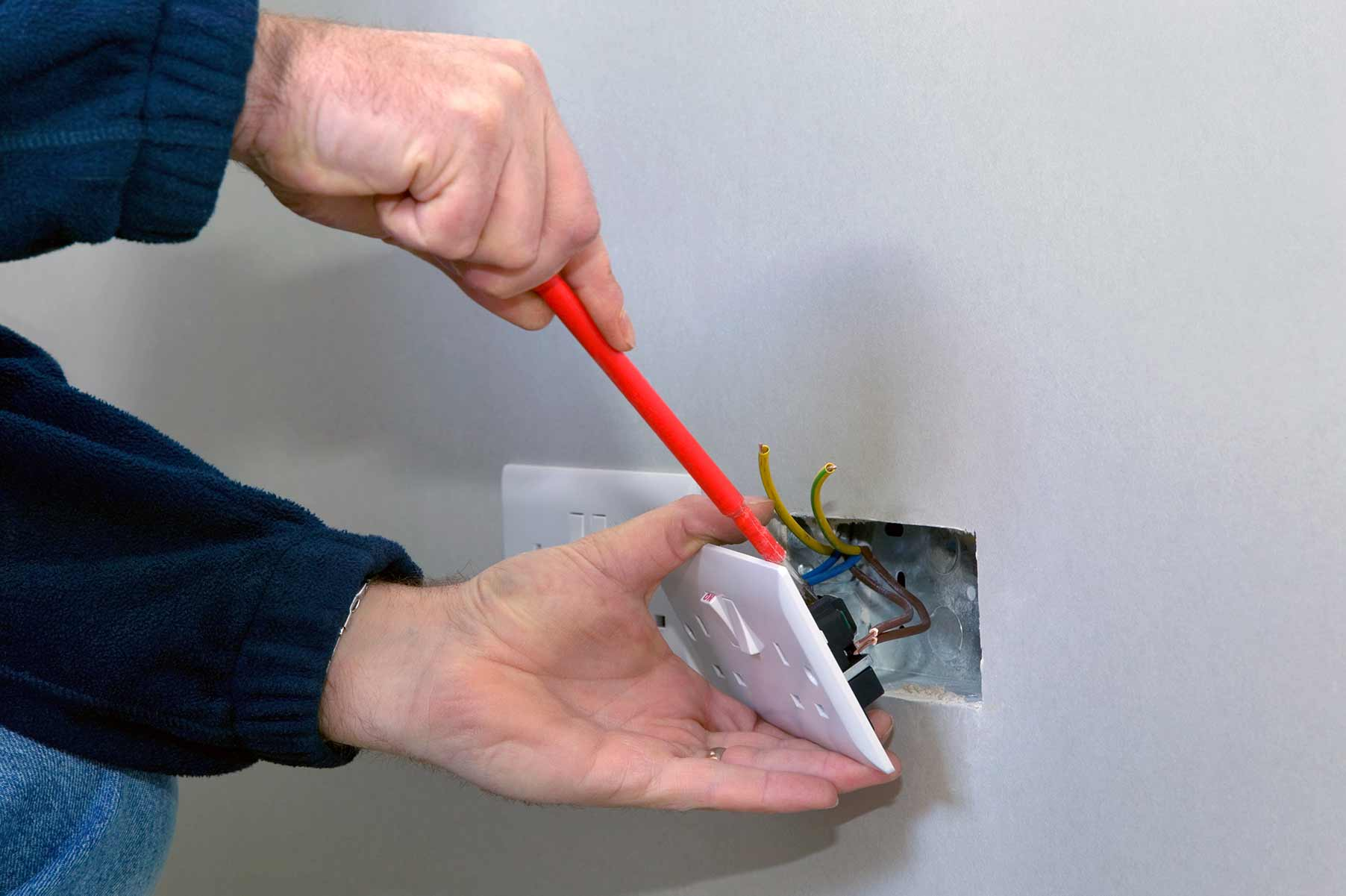 Our electricians can install plug sockets for domestic and commercial proeprties in Mill Hill and the local area.